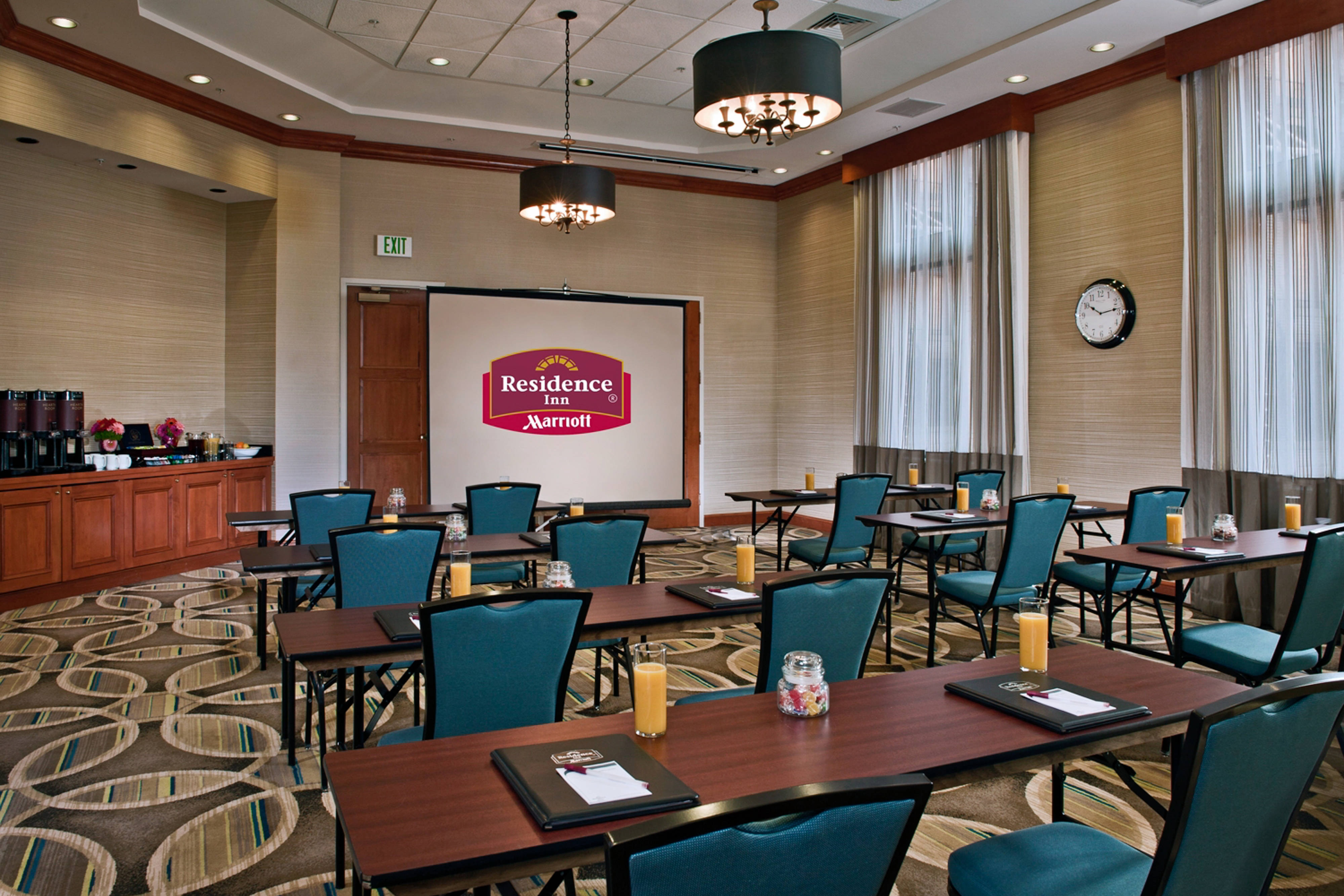 Downtown Baltimore hotel meeting room