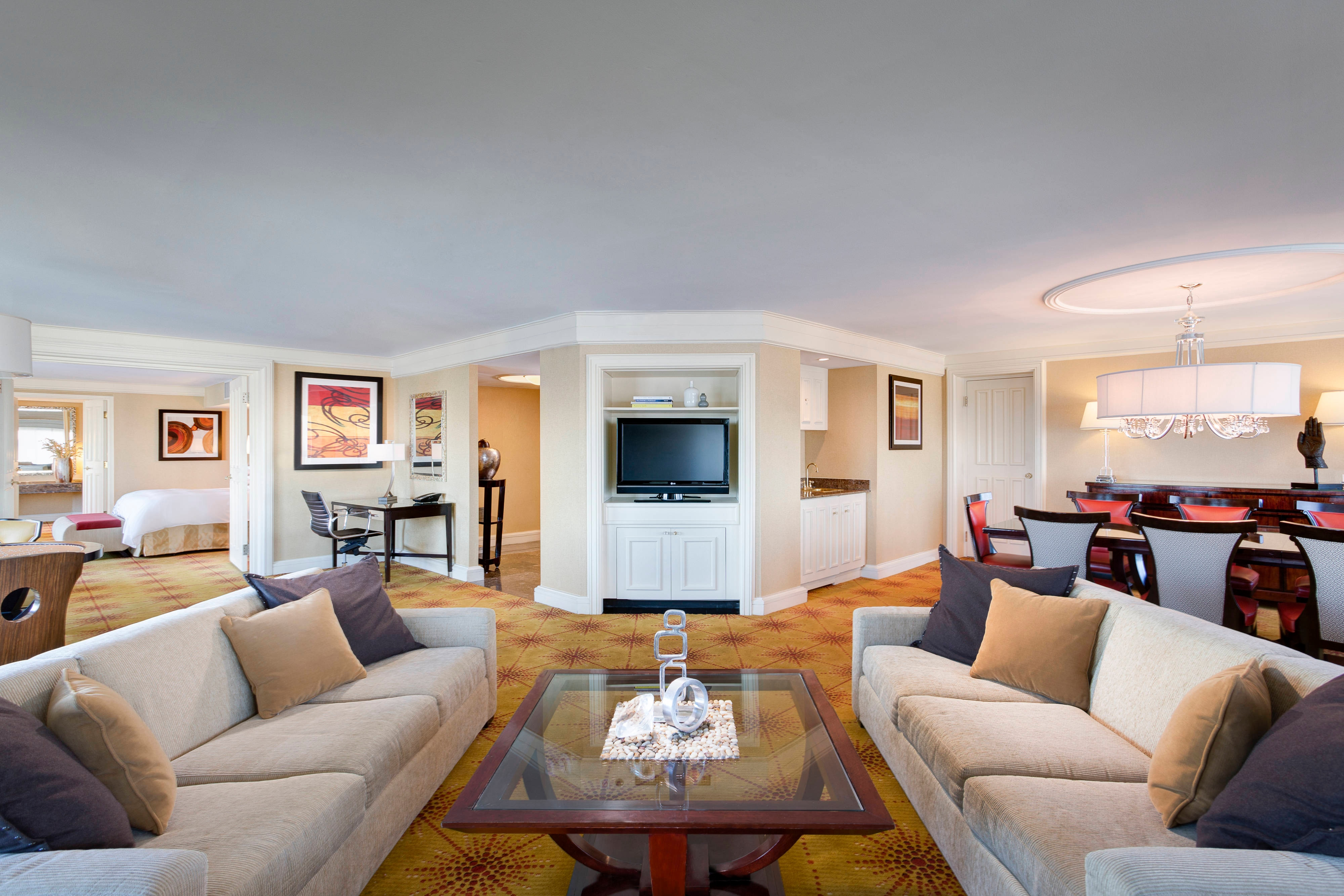 Baltimore Harbor presidential suite