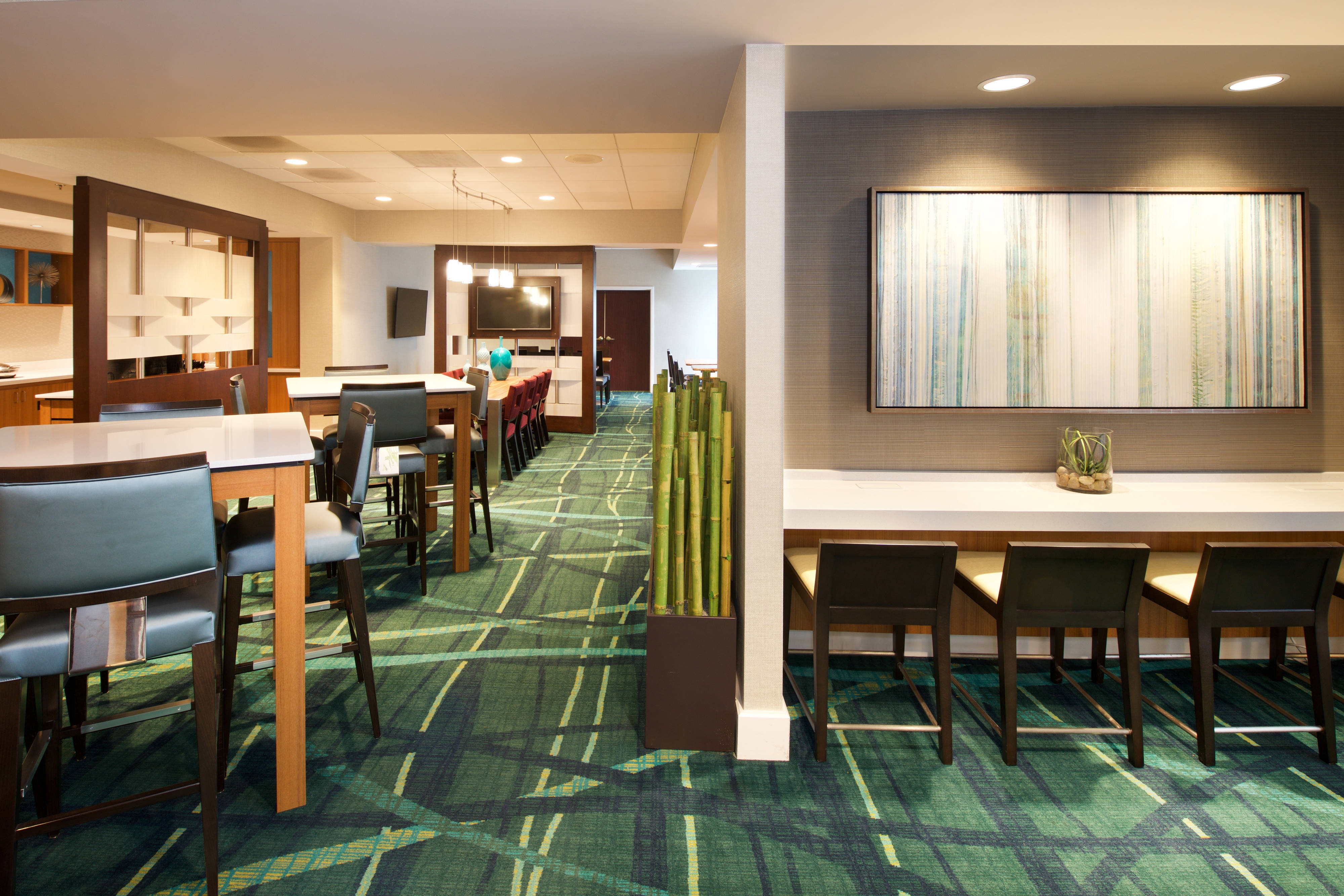 bwi hotels with free breakfast
