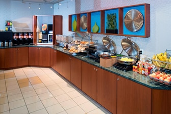 Annapolis Maryland hotel free breakfast