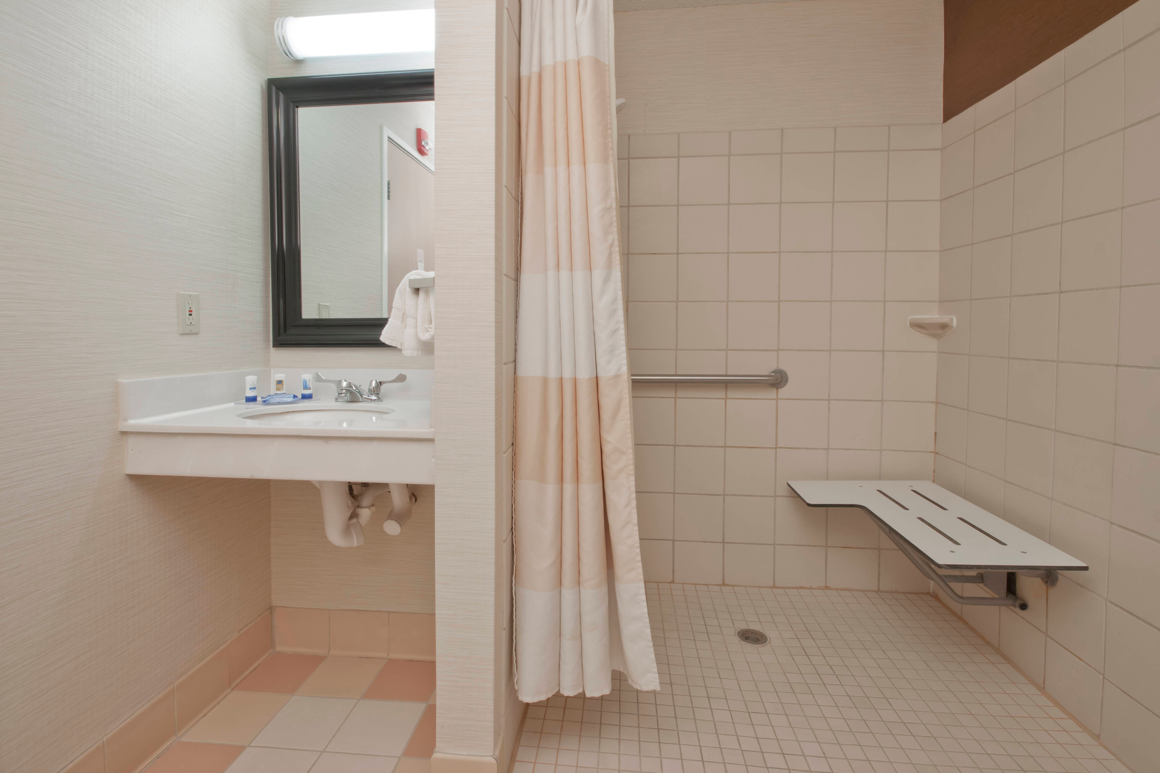 Bozeman Montana Hotel Accessible Shower