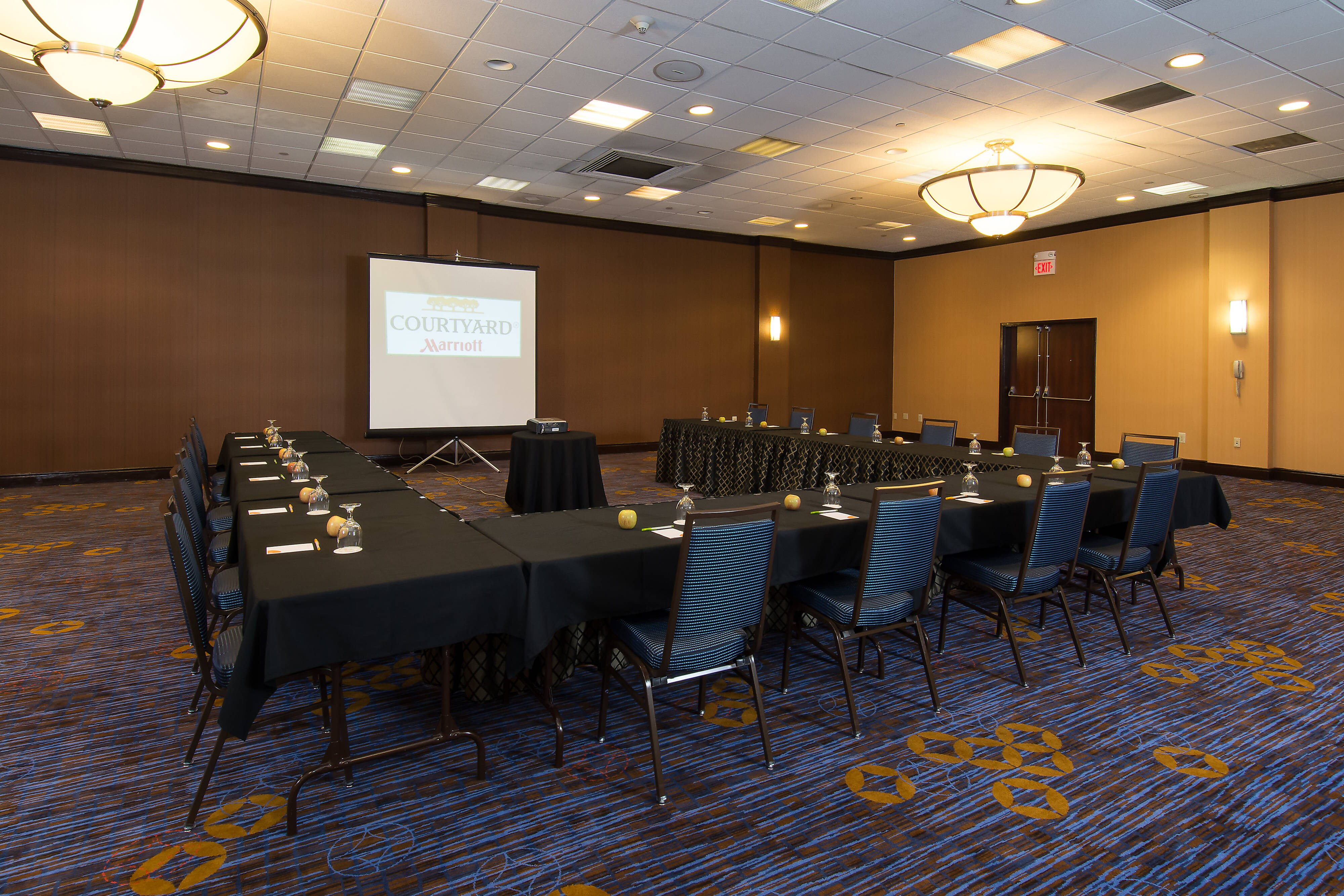 Richland Meeting Room – U-Shape Setup