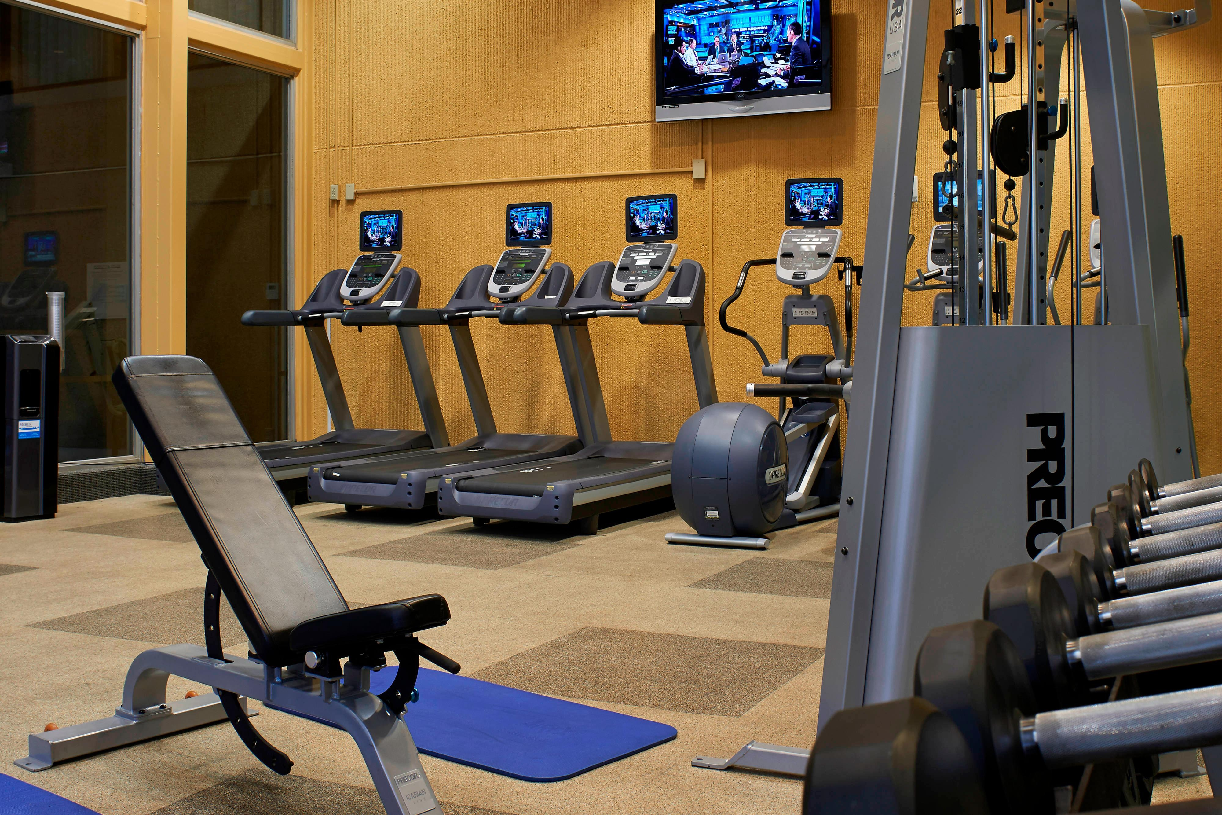 Columbia hotels with fitness center