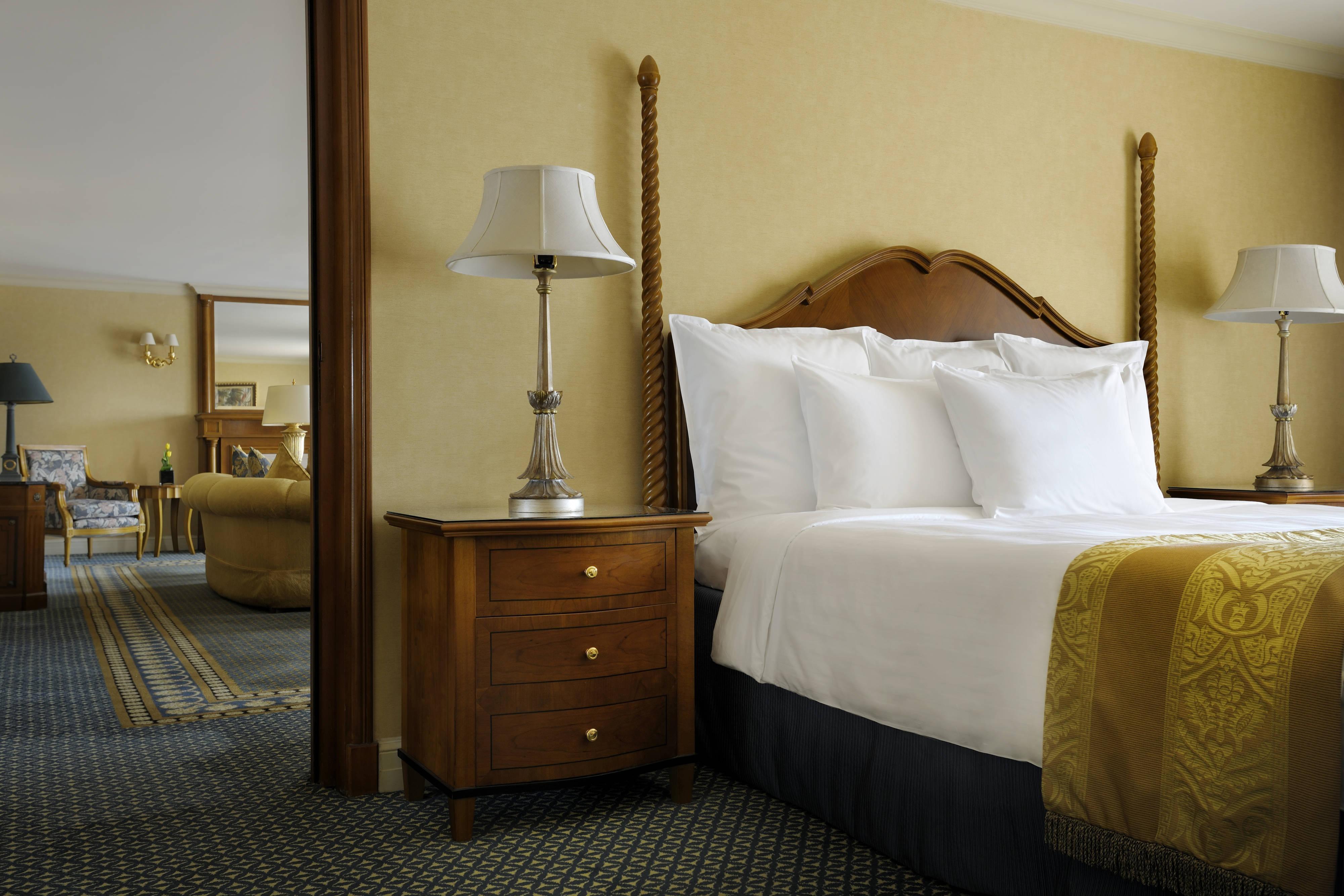 Guest room Ambassador Suite Cairo