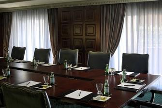 قاعات الاجتماعات بفندق القاهرة