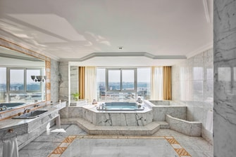 5-star Cairo hotel suite bathroom