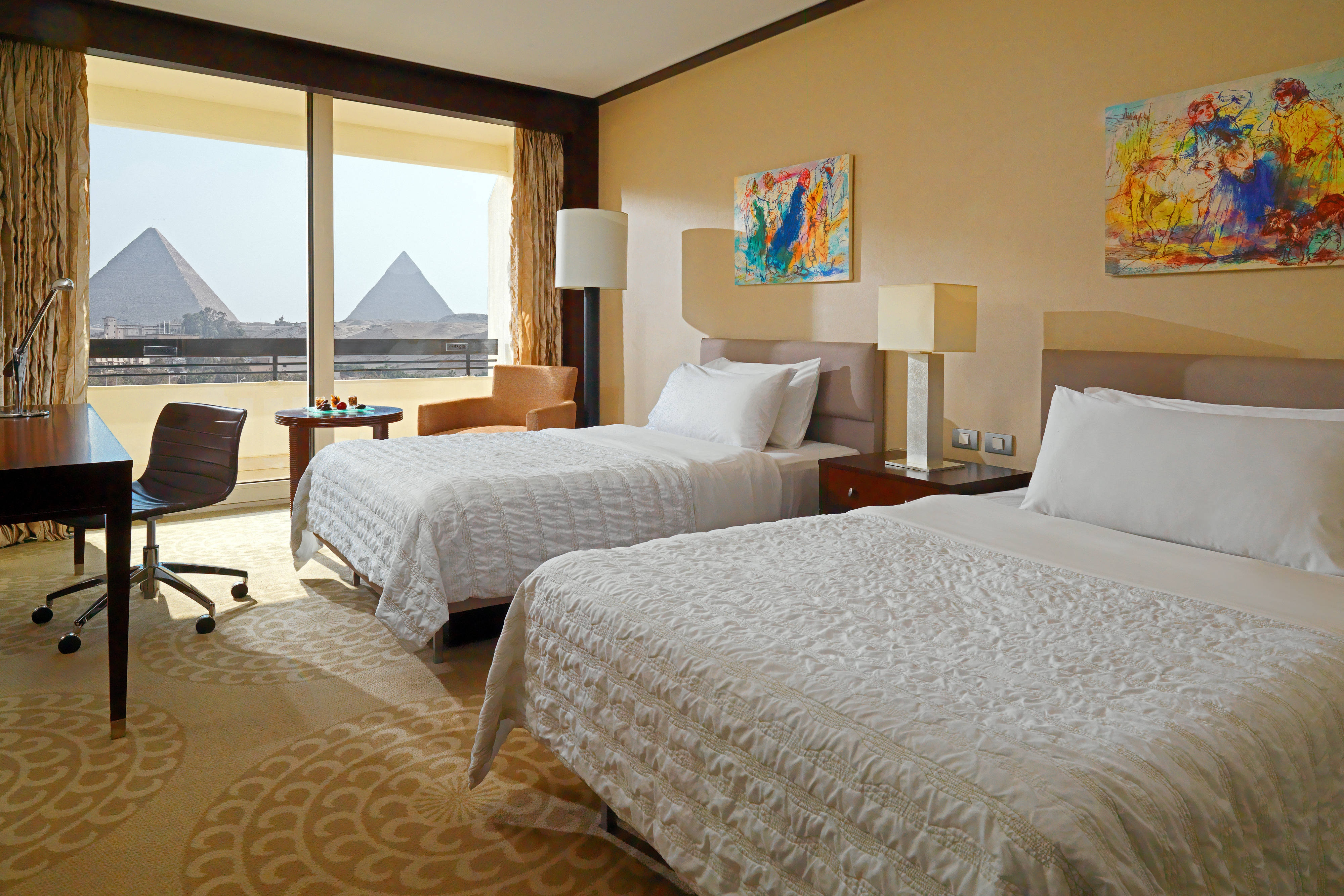 Premium Deluxe Pyramids View Guest Room