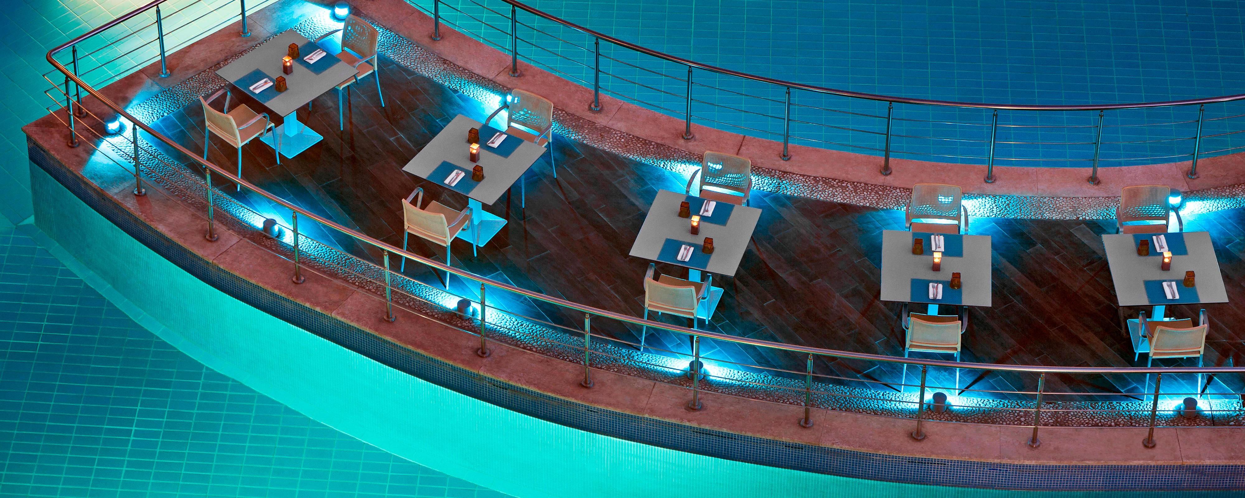 Citrus Restaurant - Pool island