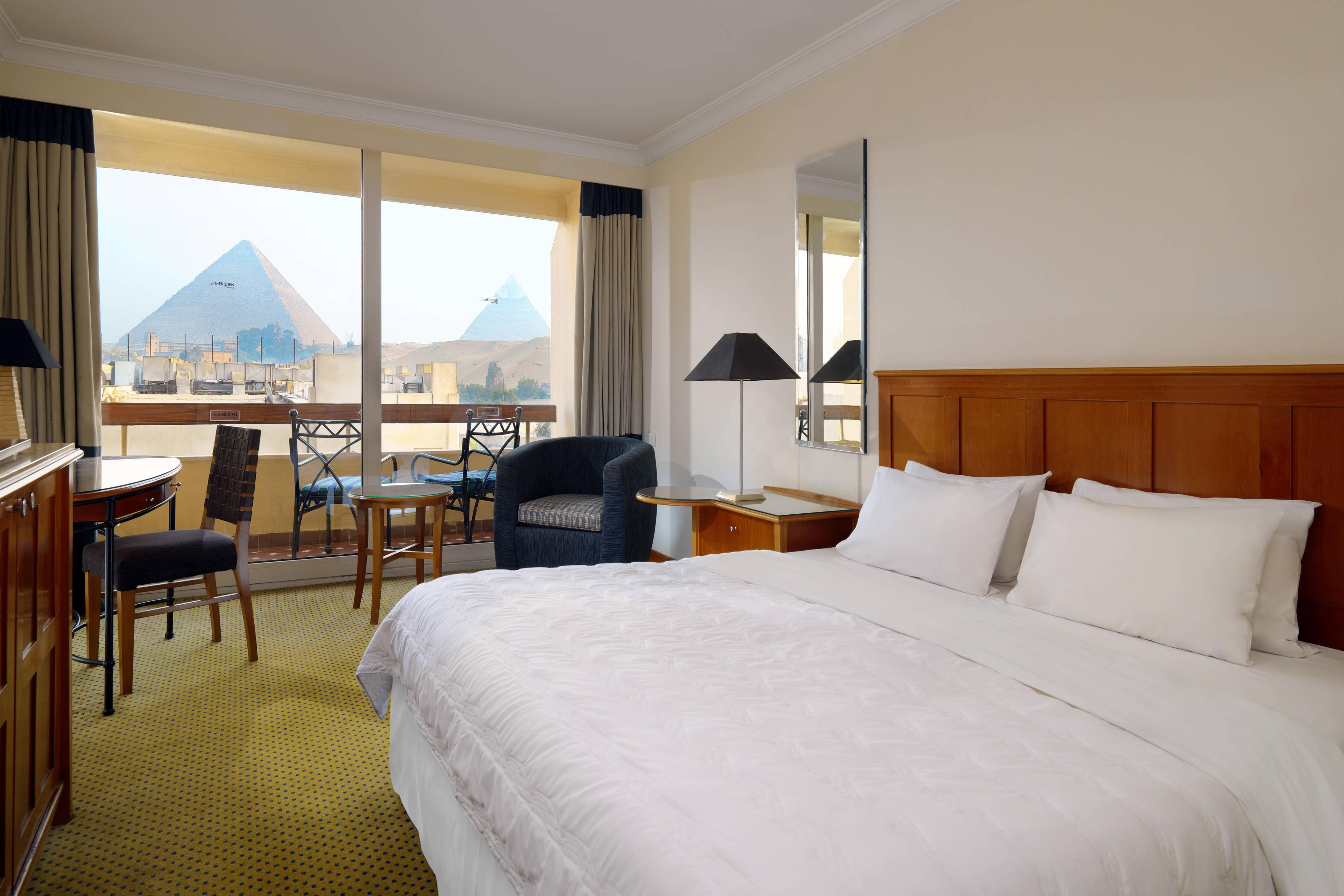 Deluxe Room Pyramids View