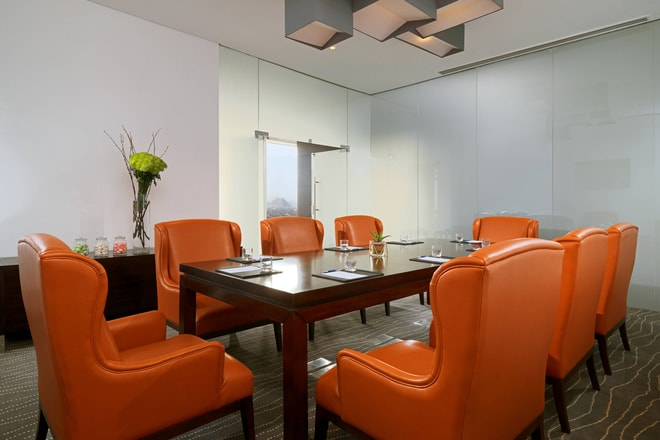 Club Lounge Meeting Room