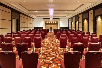 Salón Ivory - Reunión con disposición estilo teatro