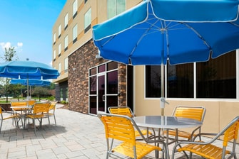 Akron Ohio Hotel Patio Area