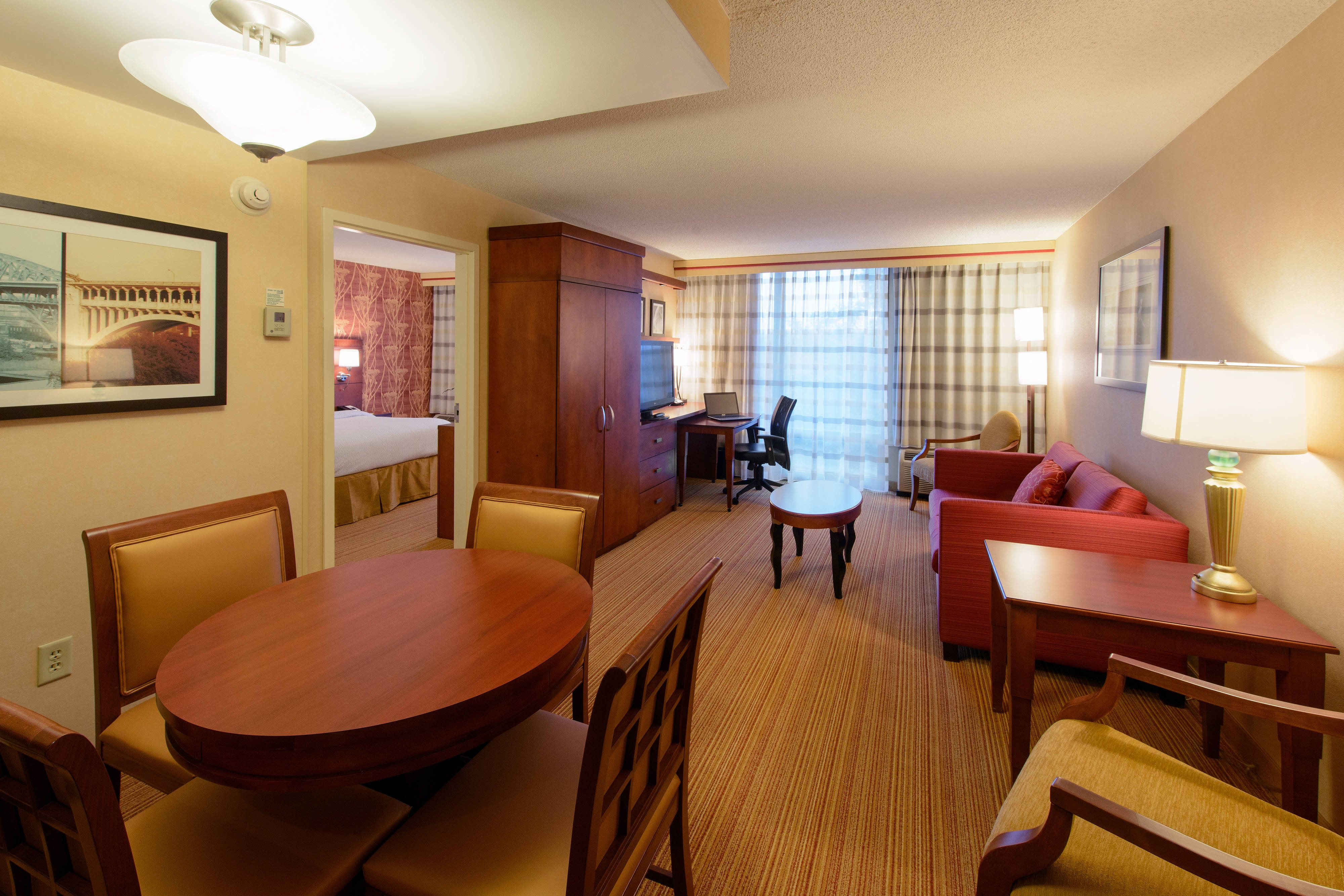 Canton, OH guest suite