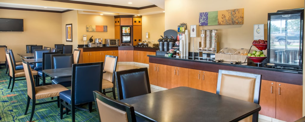 Superb Canton Ohio Hotel With Free Breakfast Fairfield Inn Download Free Architecture Designs Ferenbritishbridgeorg