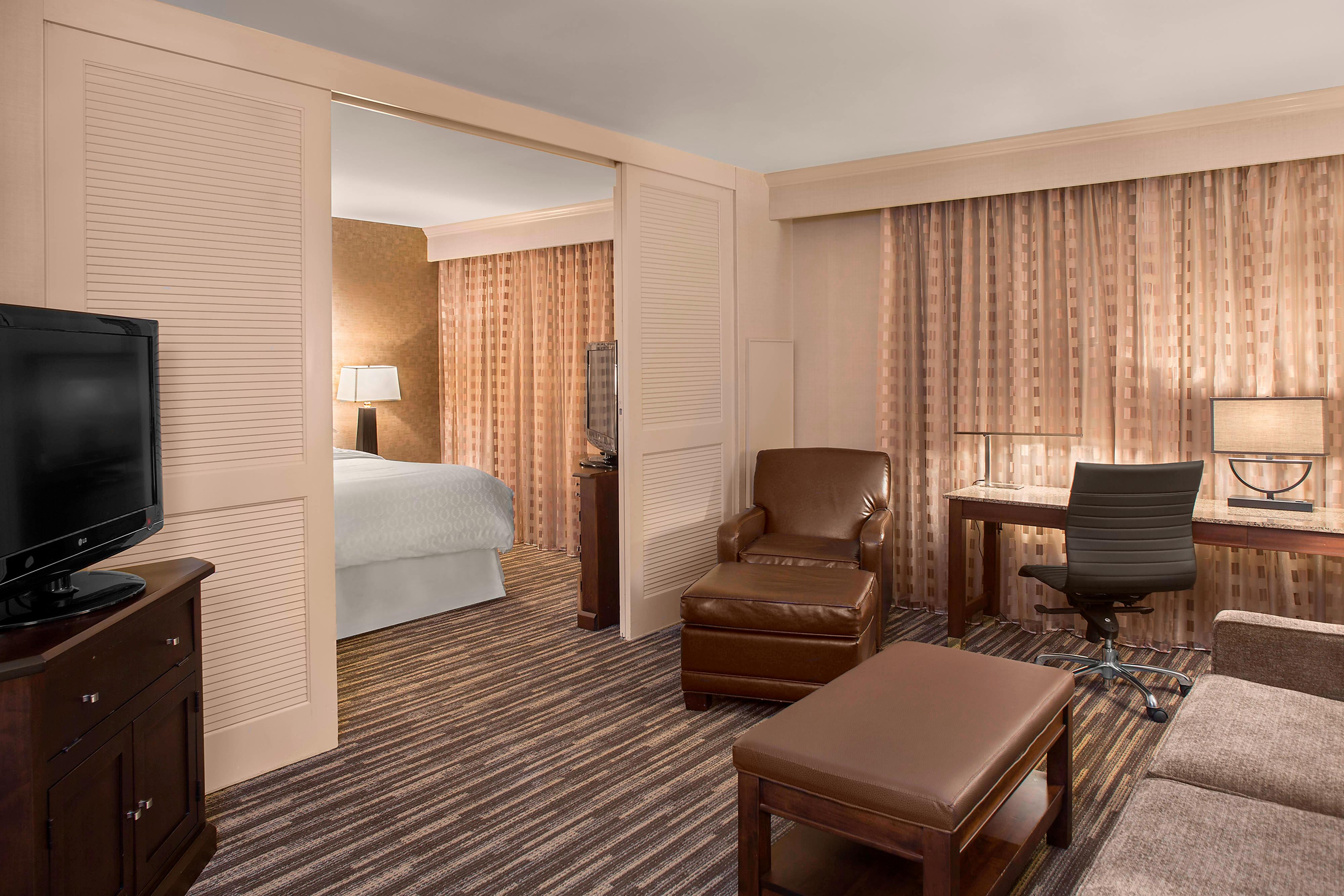 Sensational Rooms And Hotel Suites Akron Ohio Sheraton Suites Akron Short Links Chair Design For Home Short Linksinfo