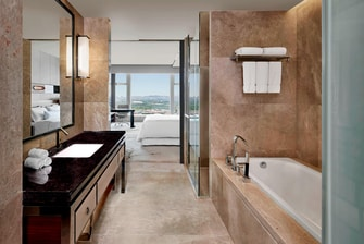 King Westin Deluxe Bathroom