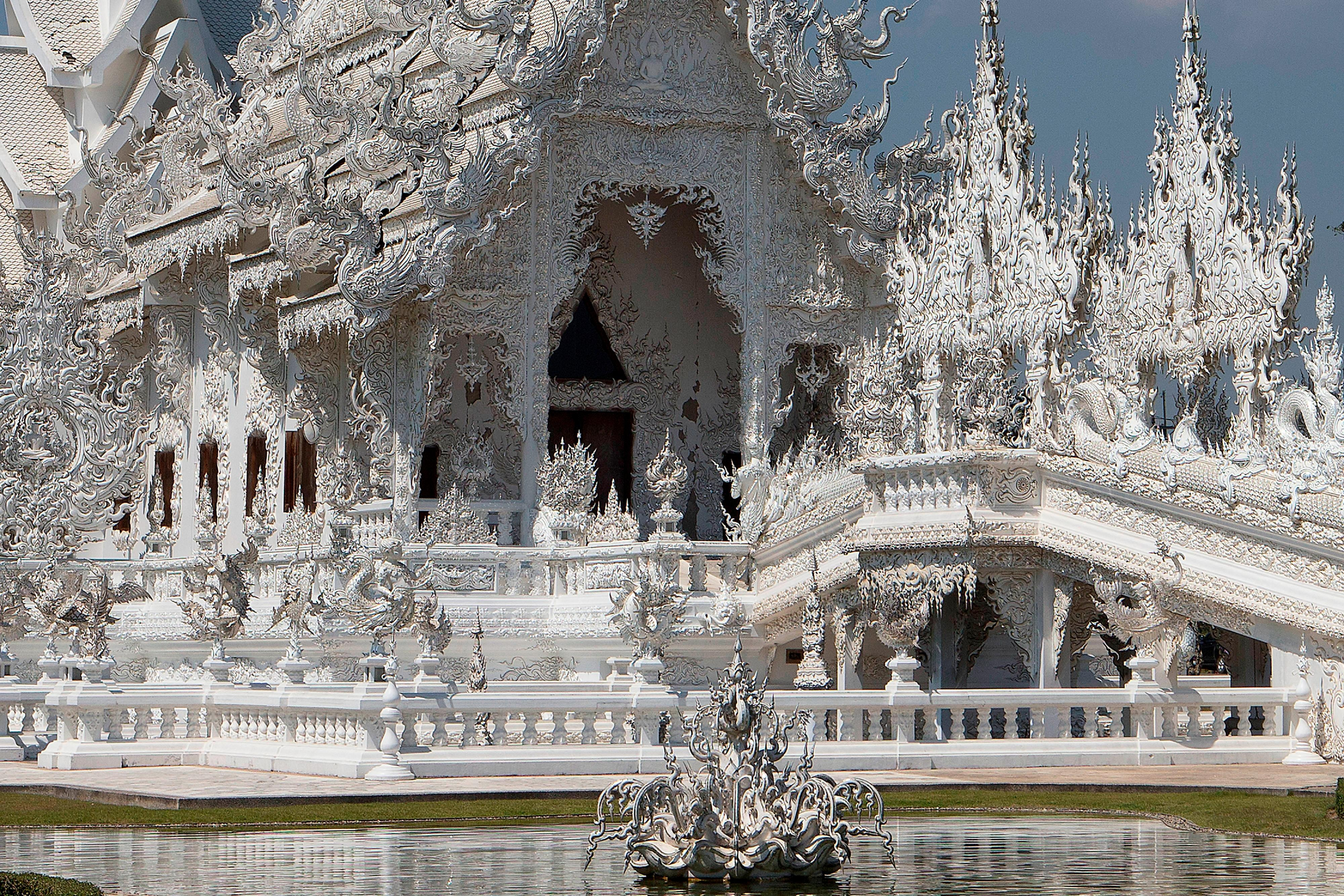 The White Temple (Wat Rongkhun)