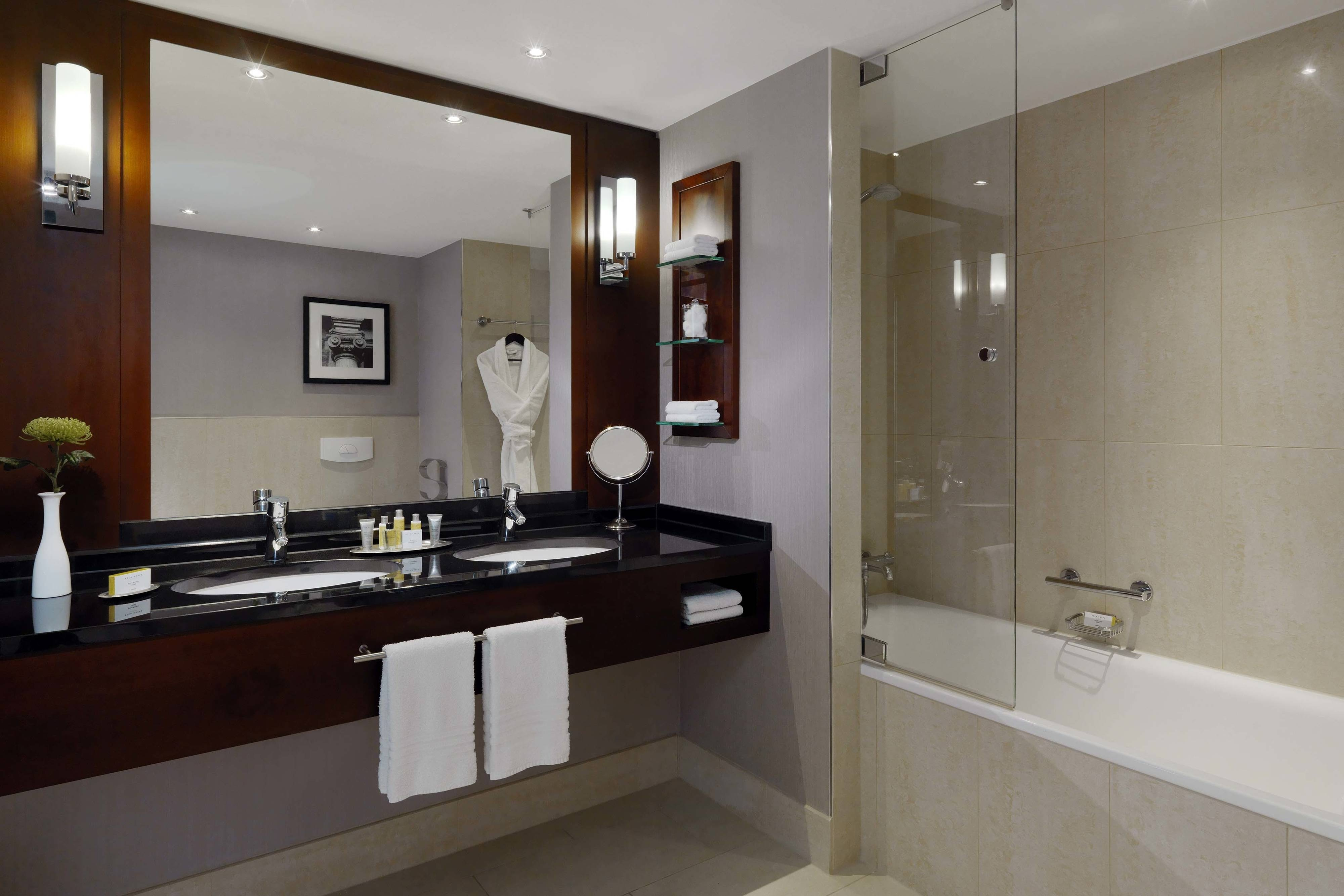 Hotel Suite Bathroom Cologne Hotel