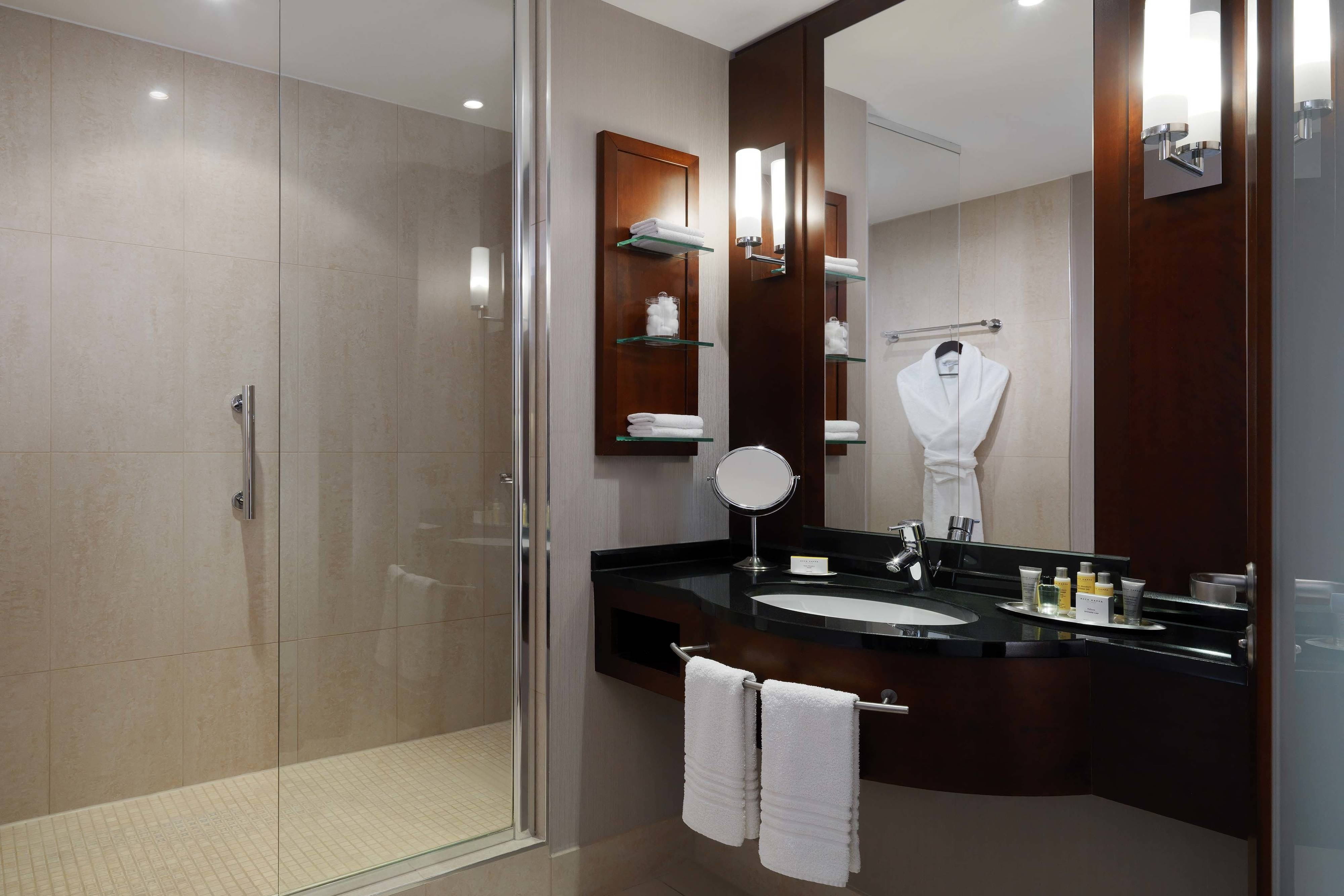 Executive Room with step-in-shower