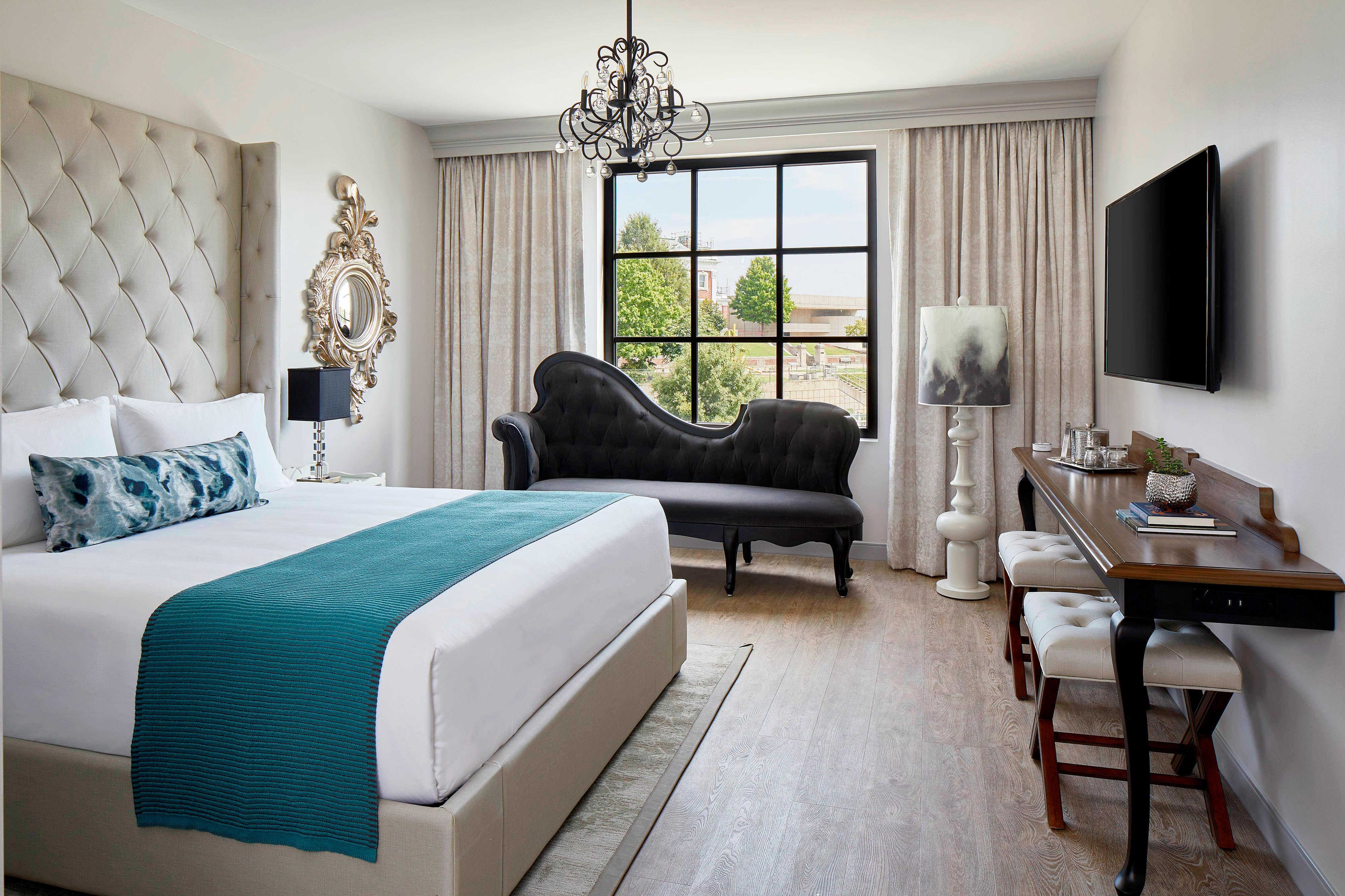 King Bluff Arts View Guest Room