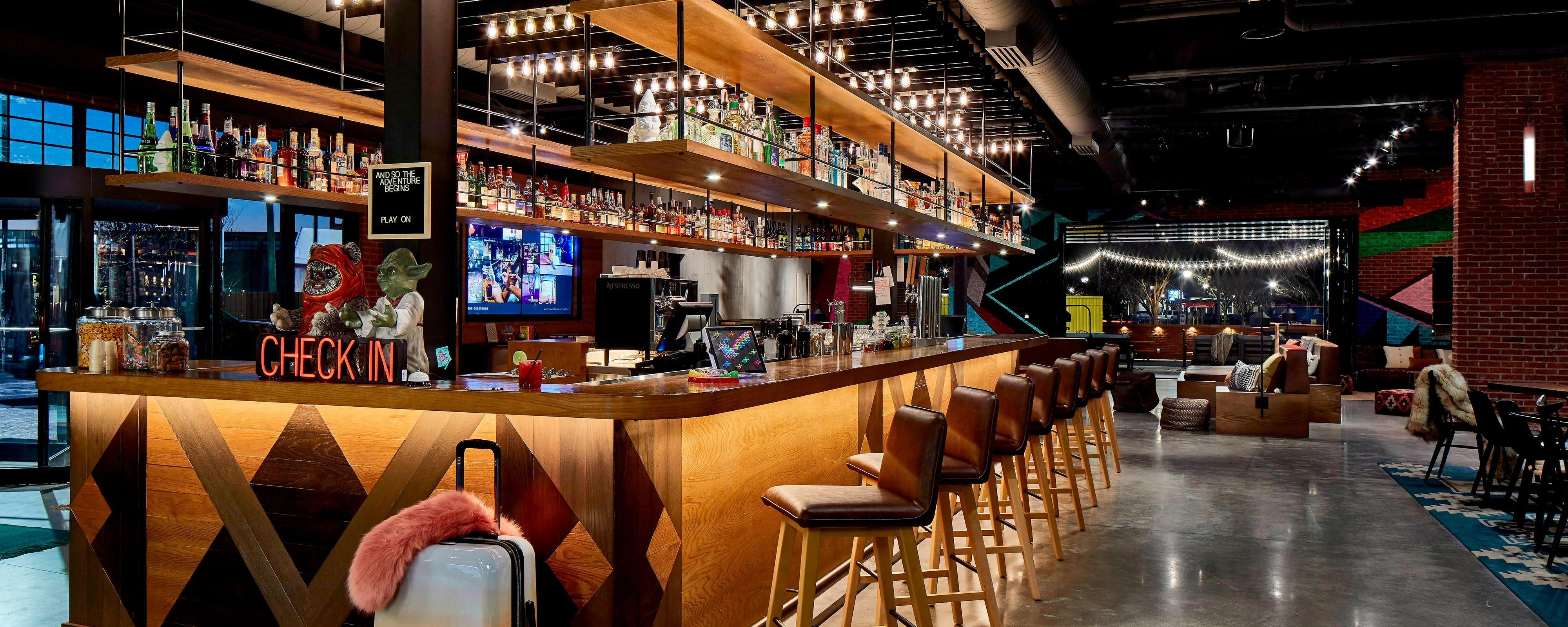 Hotel Dining Restaurants Moxy Chattanooga Downtown