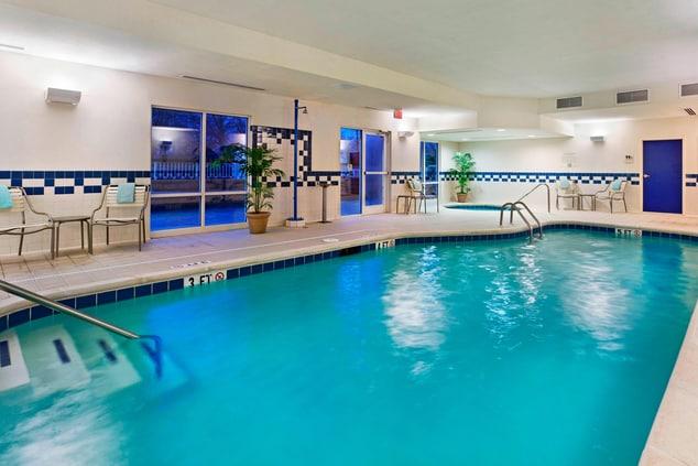 East Ridge Tennessee Hotel Pool