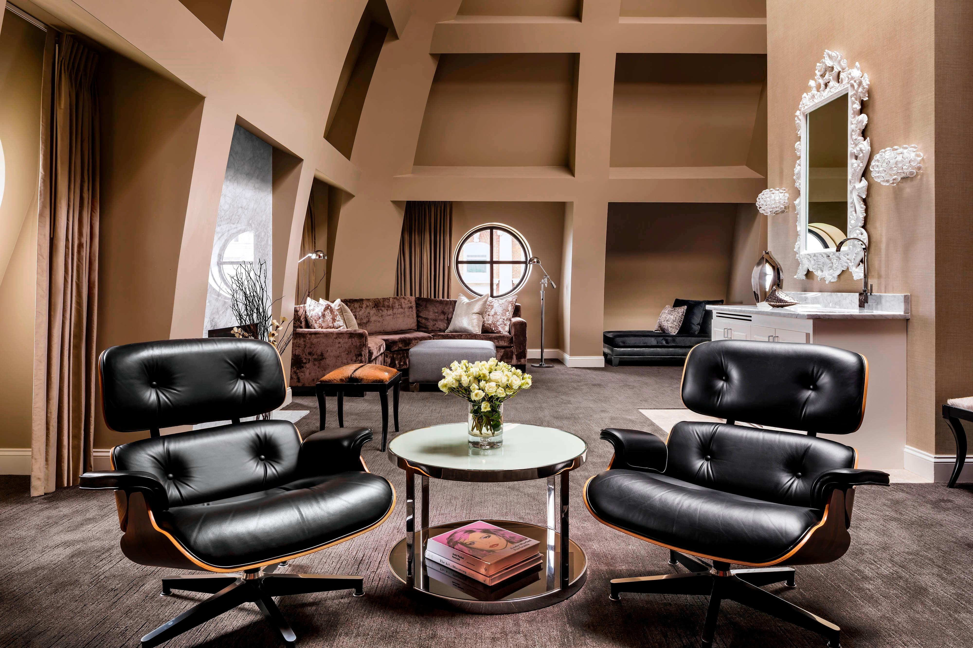 Heaven Suite - Seating Area