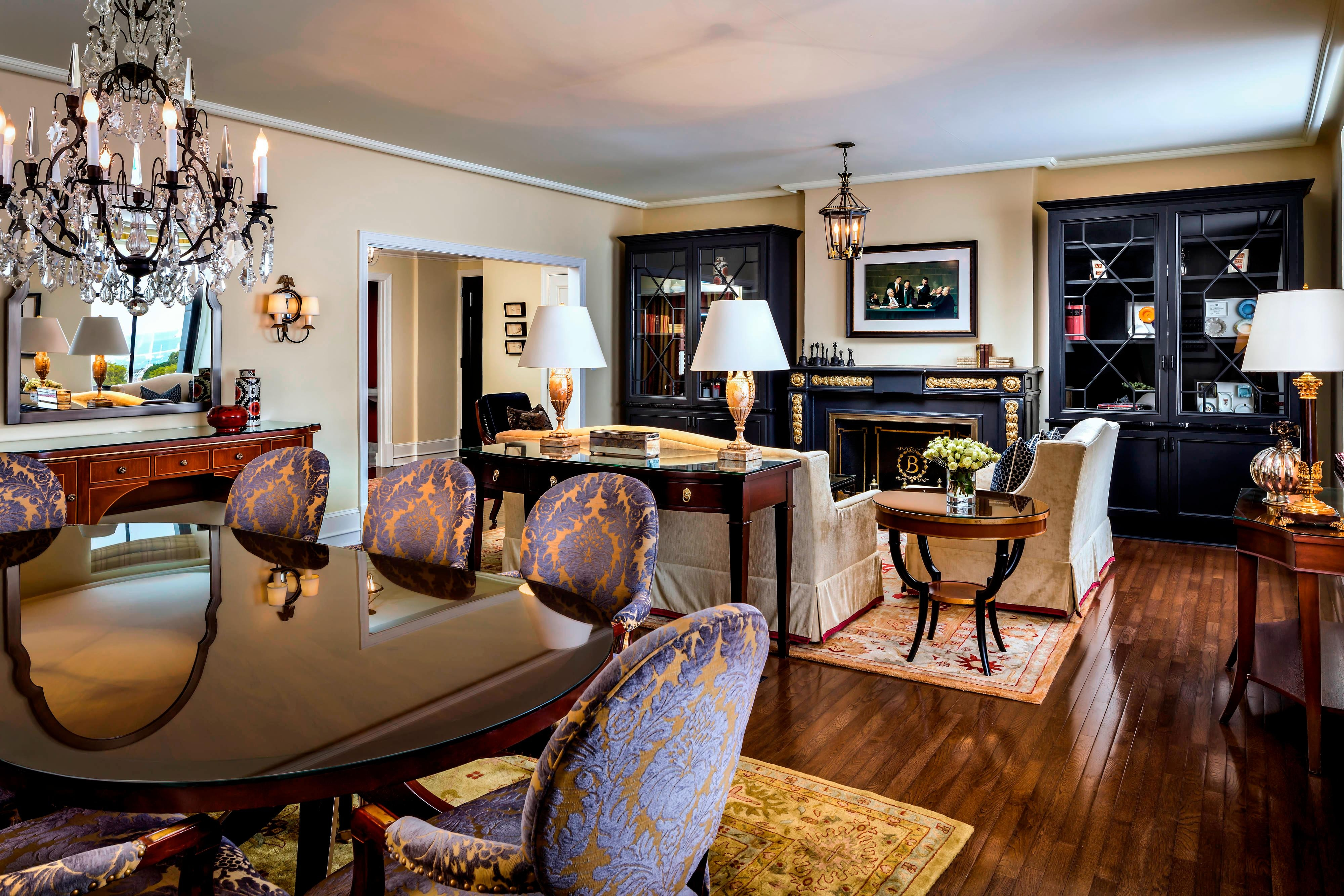Suite of Presidents - Living Area