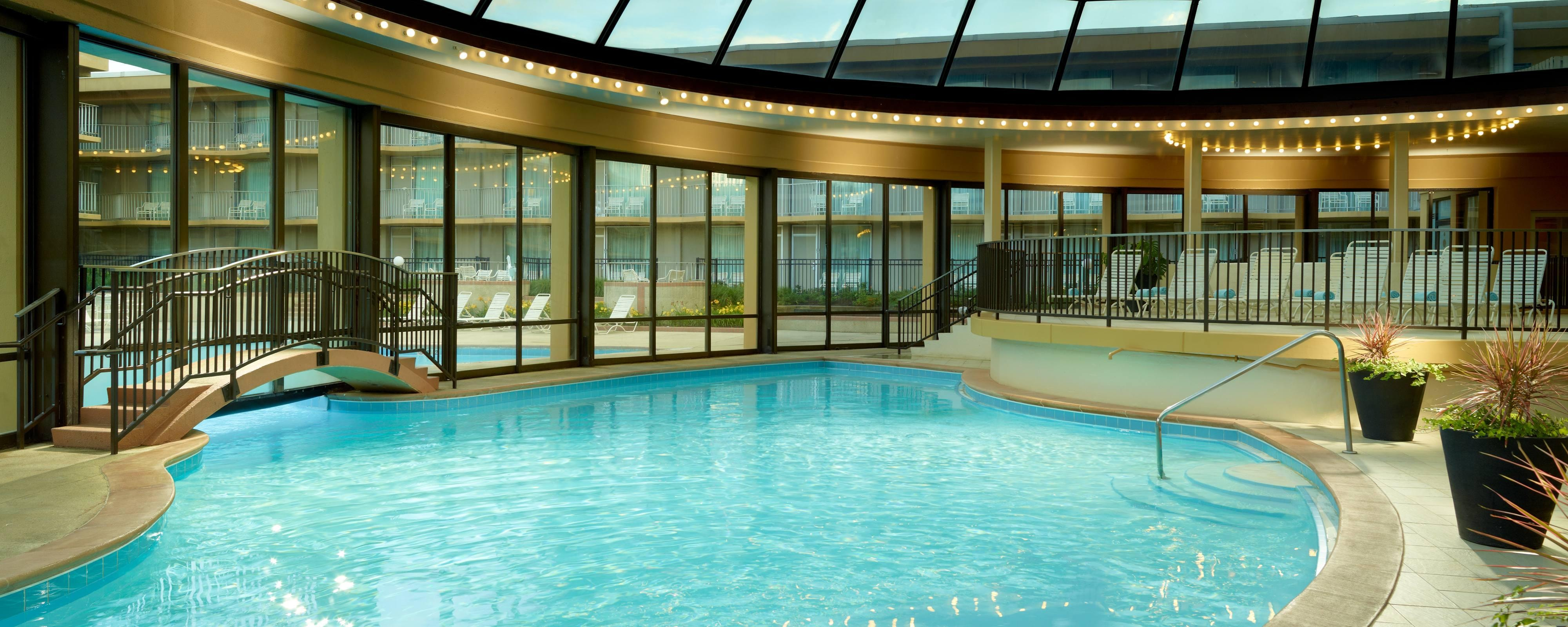 Chicago Hotel With Outdoor Pool Indoor Pool Gym Chicago Marriott O 39 Hare