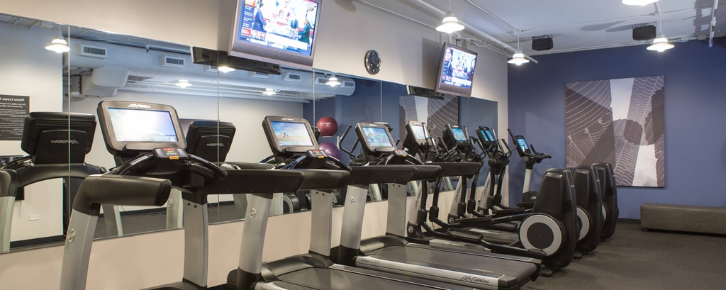 Fitnessstudio des Hotels in Chicago