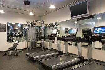 Downtown Chicago hotel fitness center