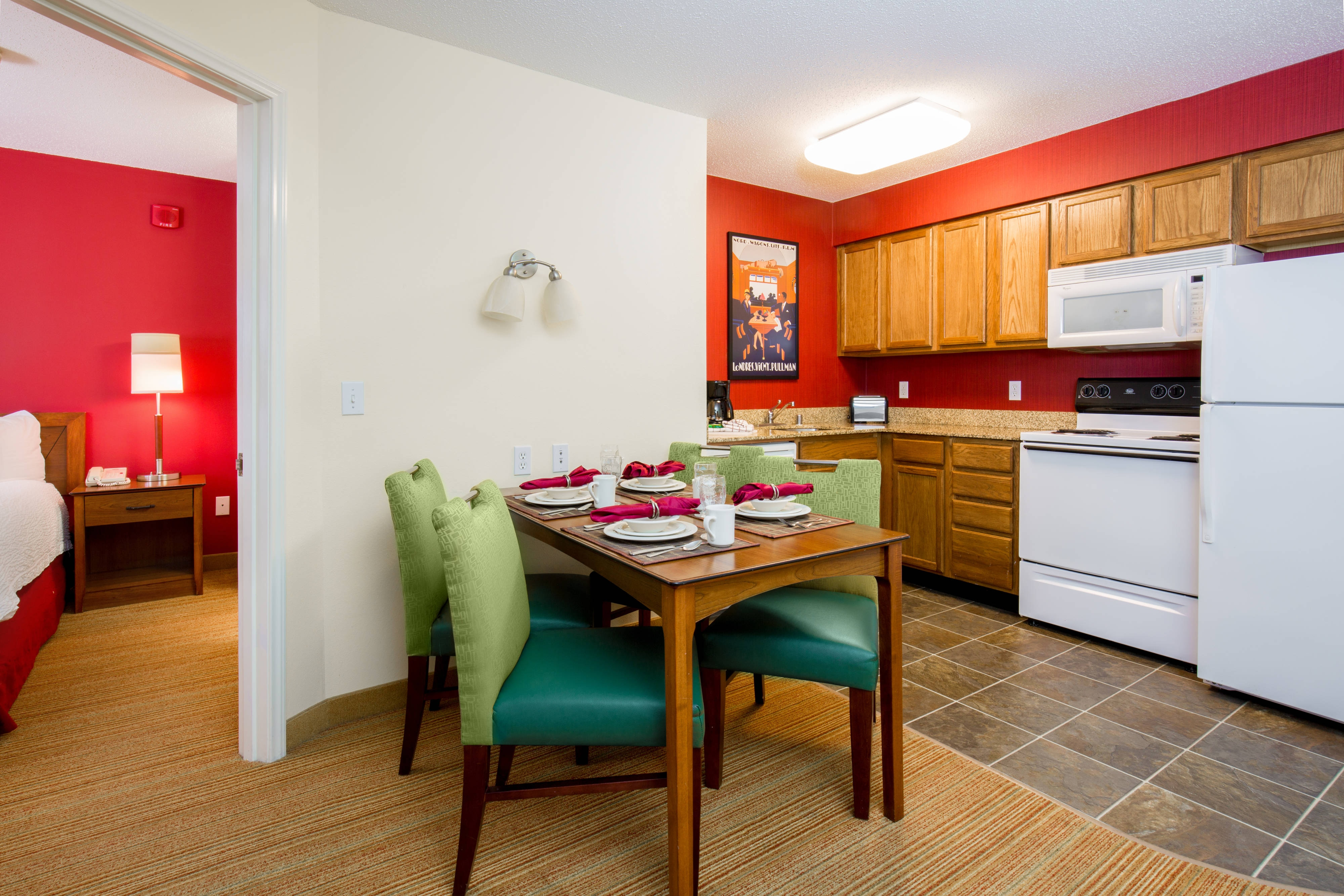 Bloomingdale Illinois Hotel Suite Kitchen