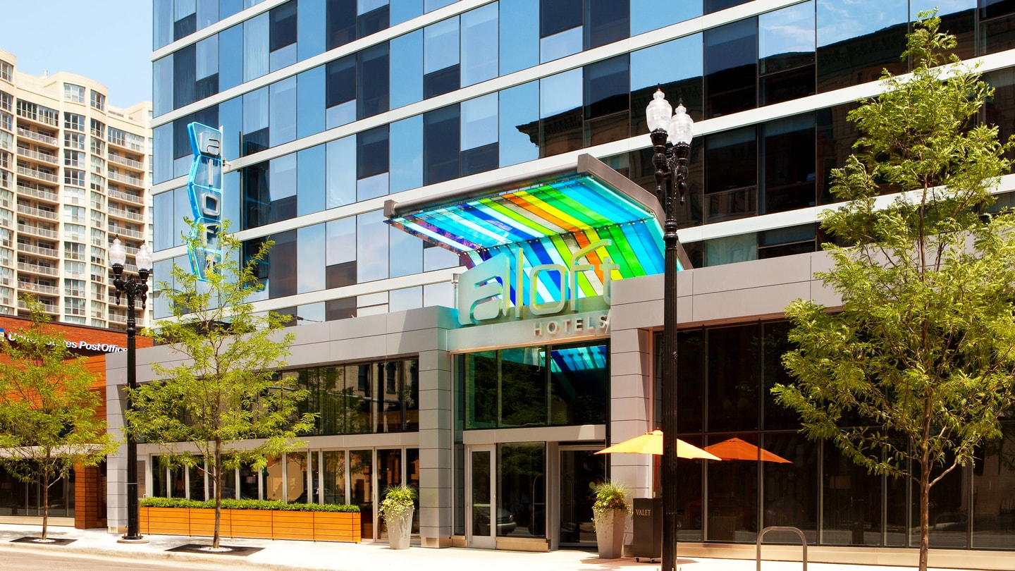 Hotel in River North Chicago | Aloft Chicago Downtown River North