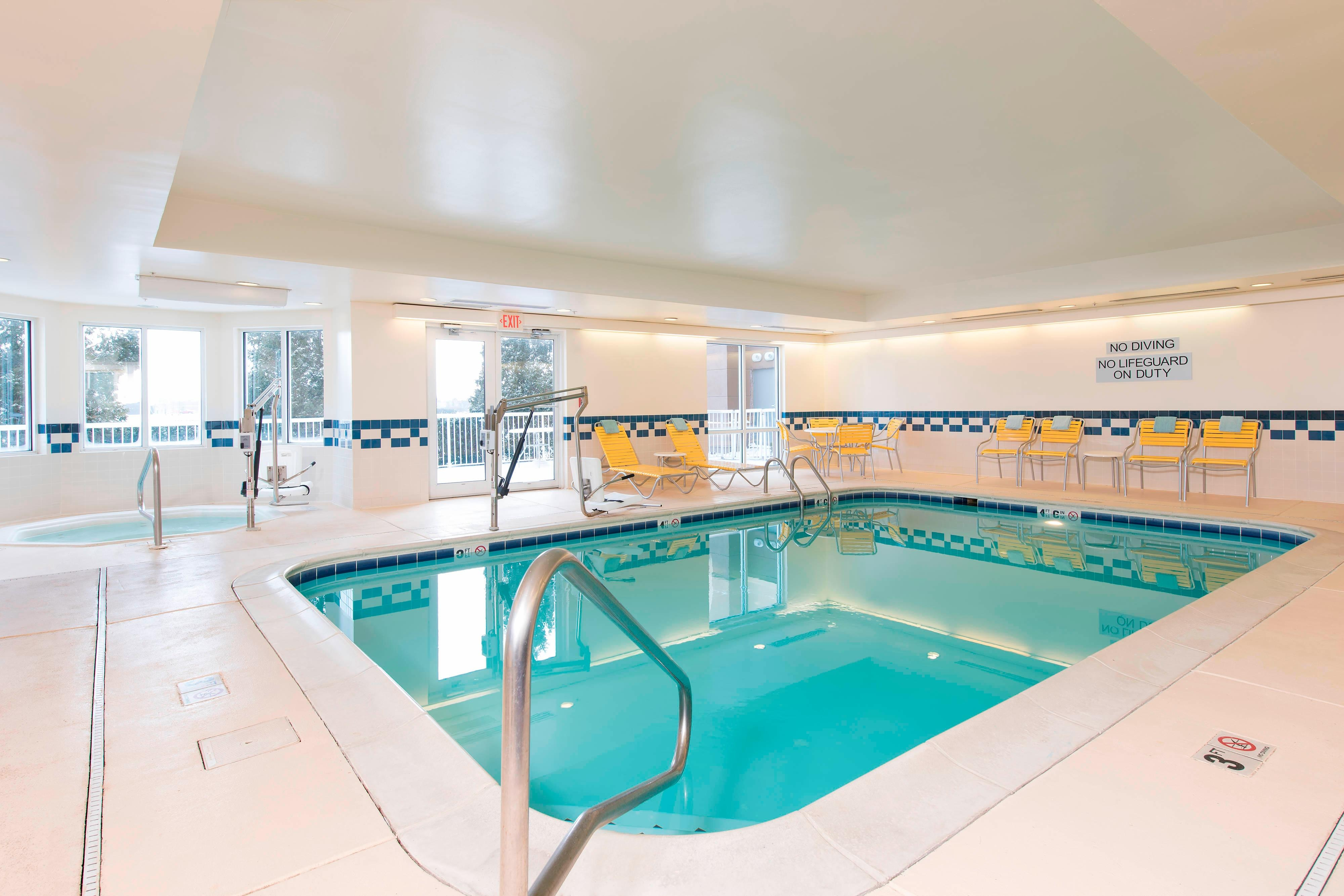 st. charles indoor pool