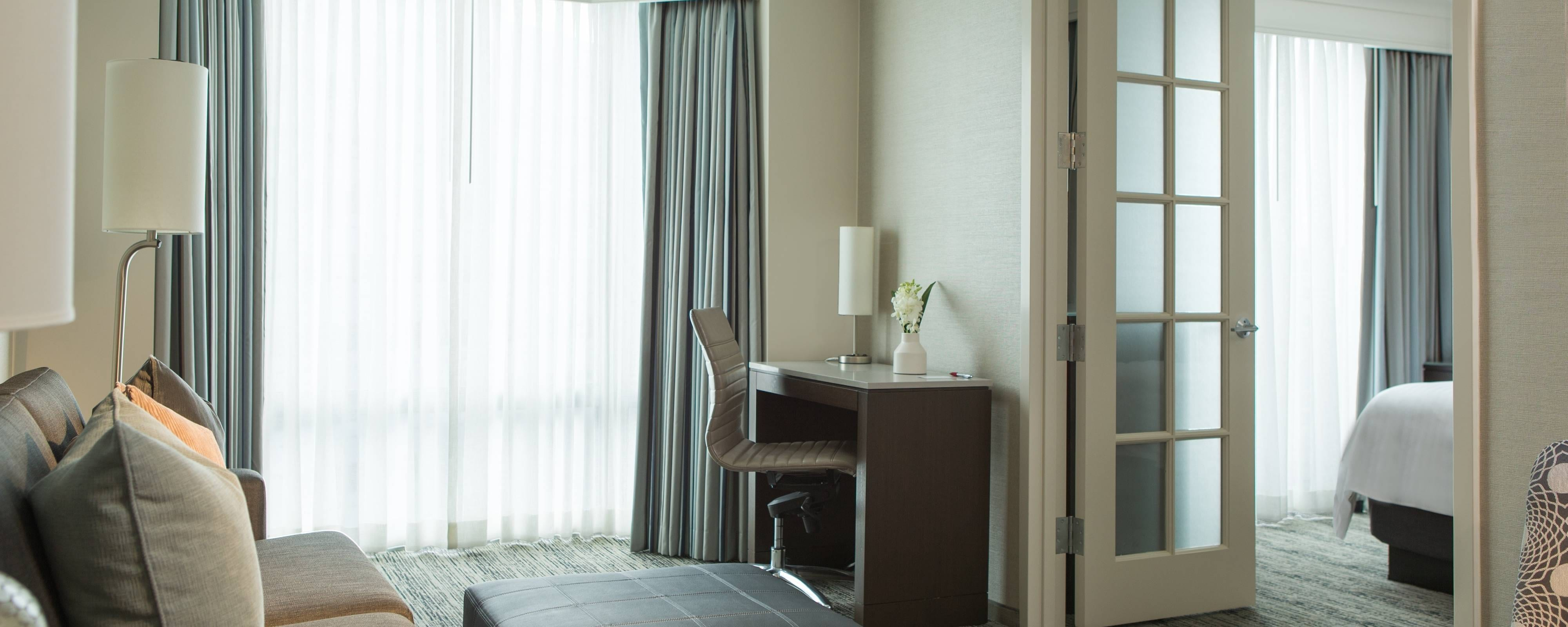 All-Suite Downers Grove Hotels | Chicago Marriott Suites