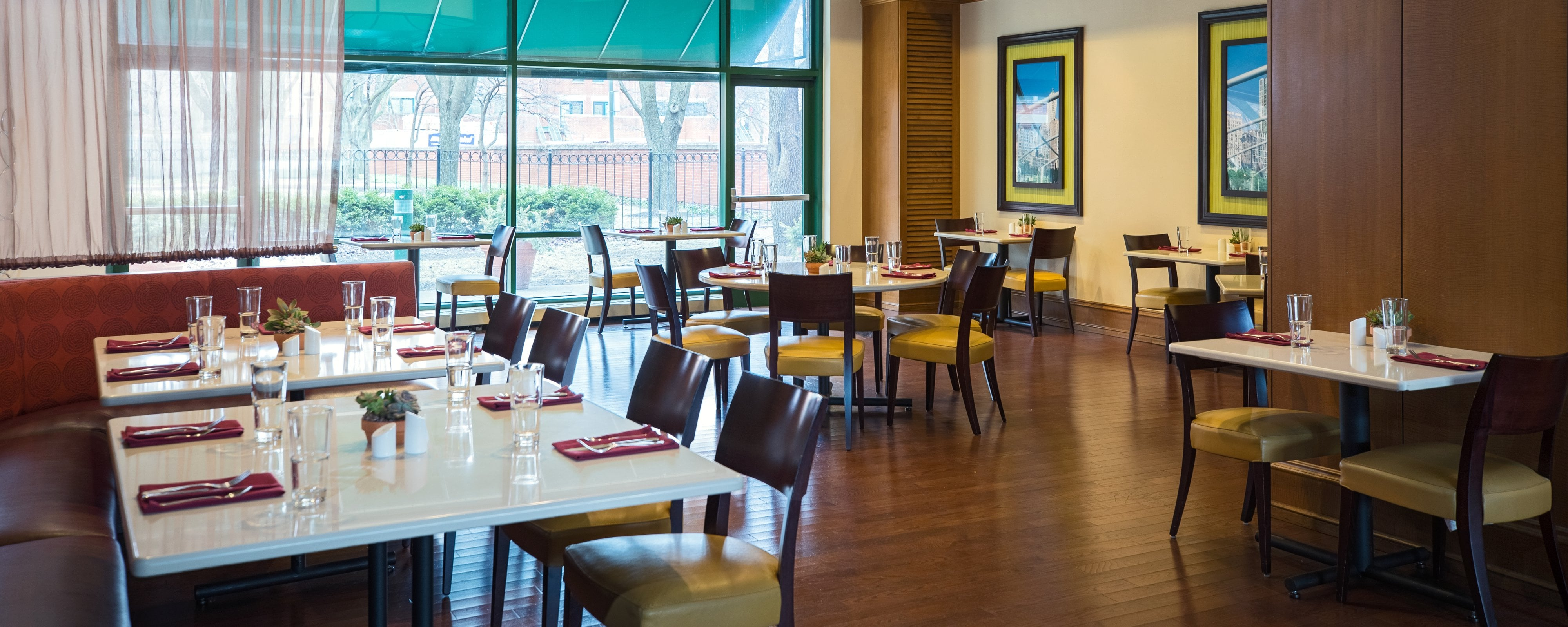 Restaurants Near UIC | Chicago Marriott at Medical District/UIC