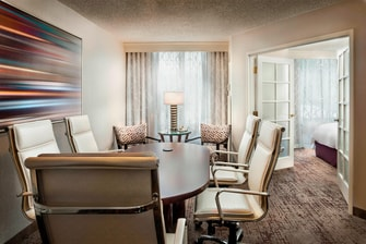 King Conference Suite at Chicago Marriott Suites Deerfield