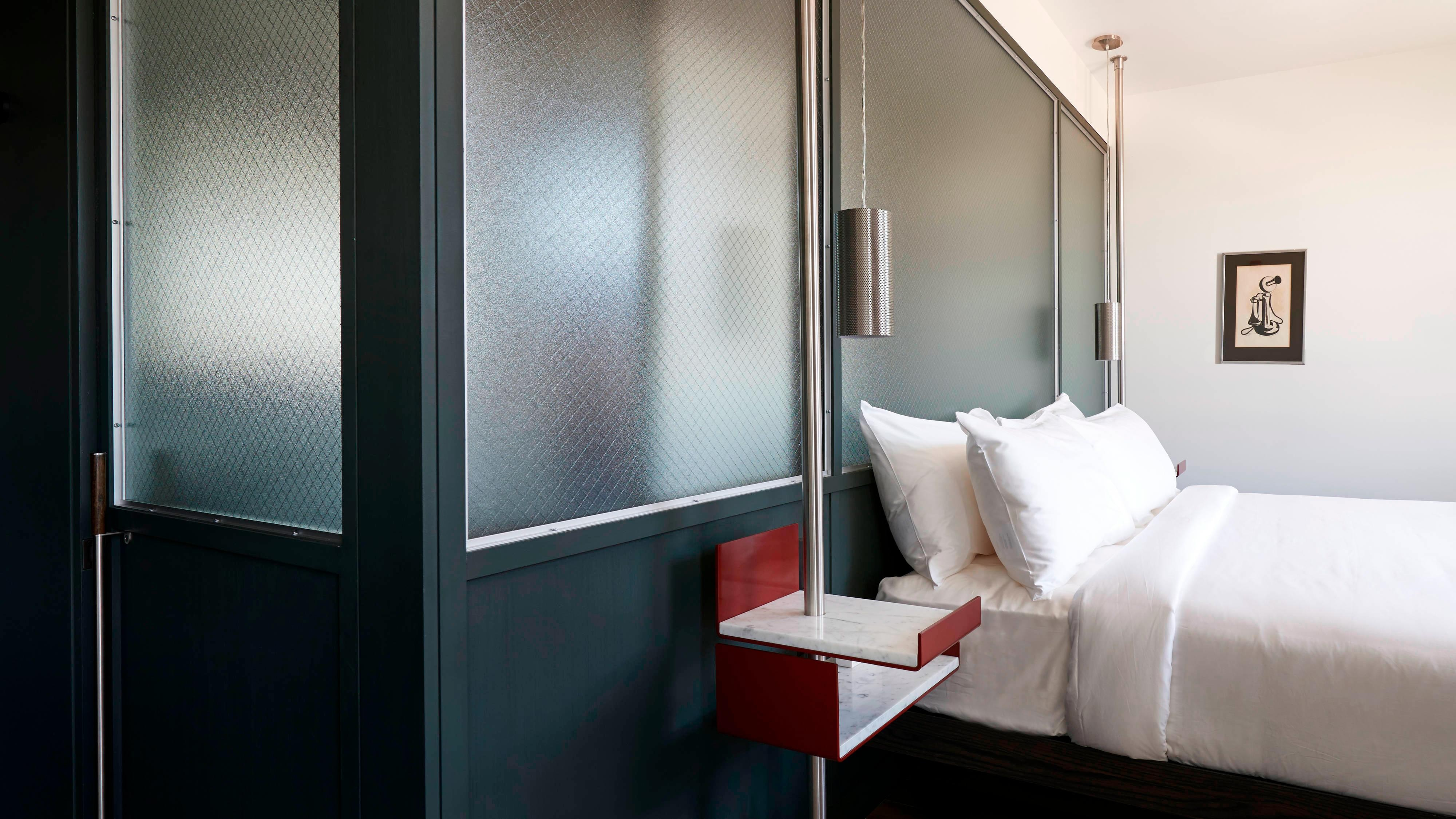Urban King Guest Room
