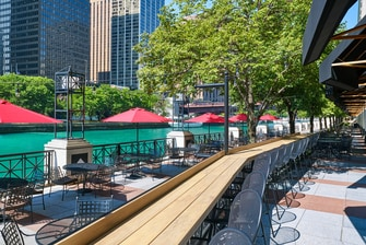 Chicago Burger Company Patio