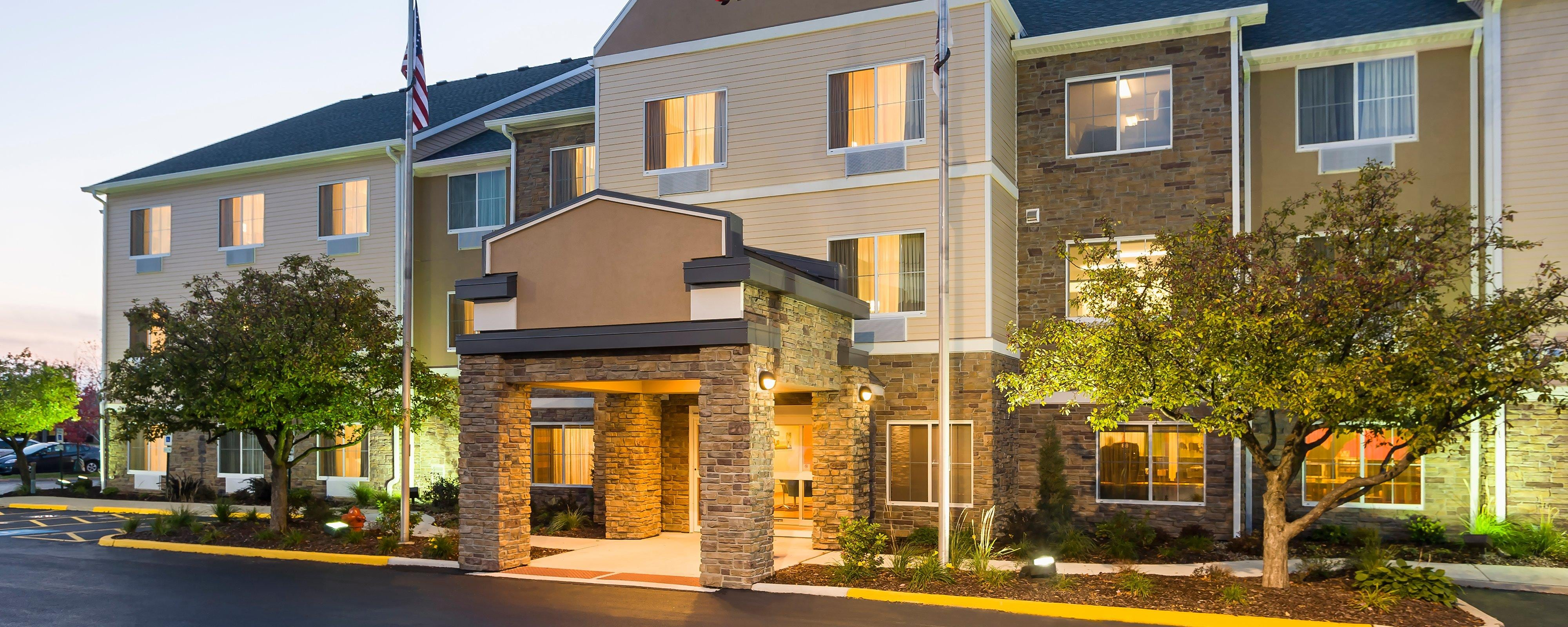 hotels in naperville il fairfield inn suites chicago. Black Bedroom Furniture Sets. Home Design Ideas