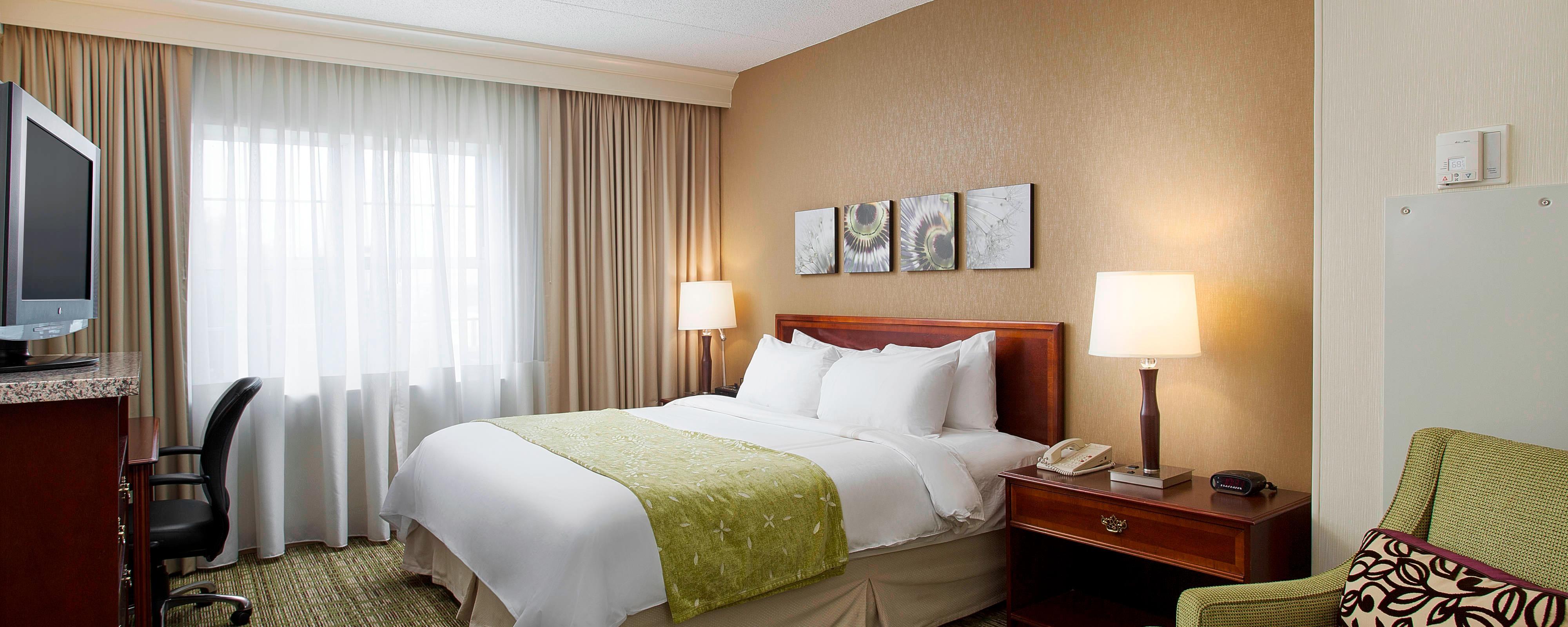 Midway Airport Suite Bedroom