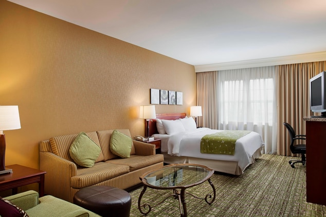 Midway Airport Suites