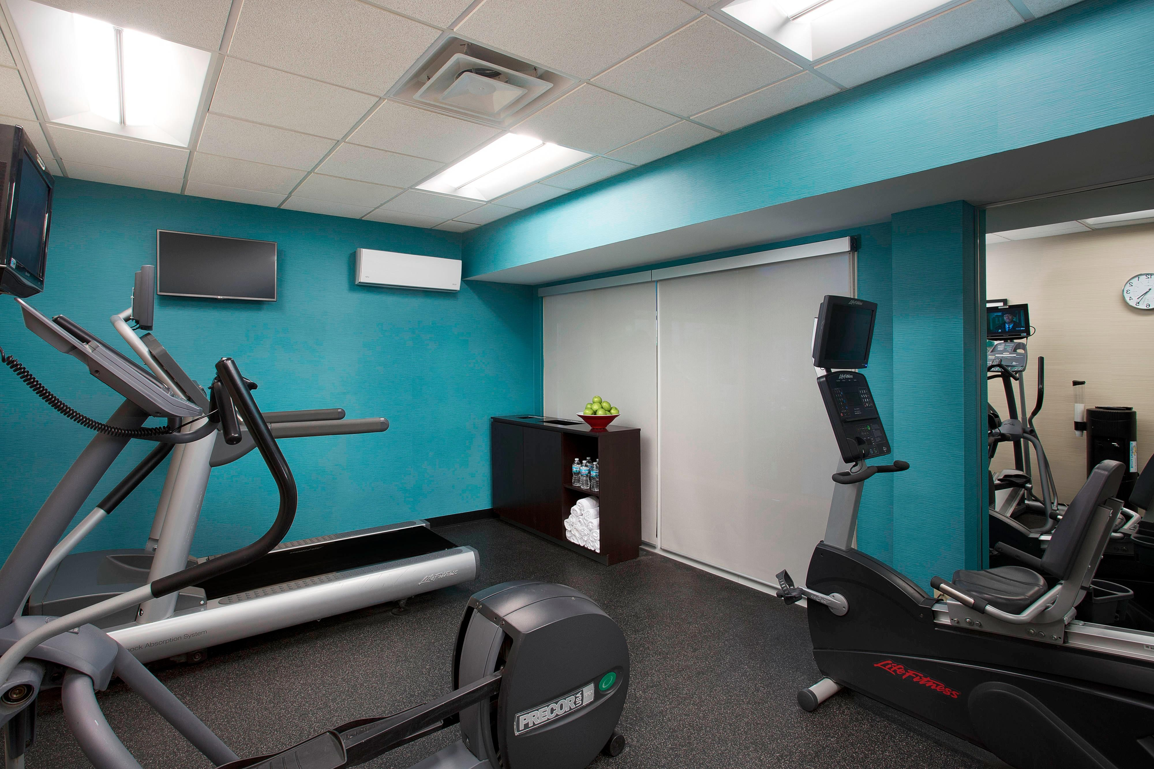 Chicago Midway Hotel Gym