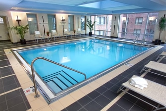 Hotels Downtown Chicago with Pool