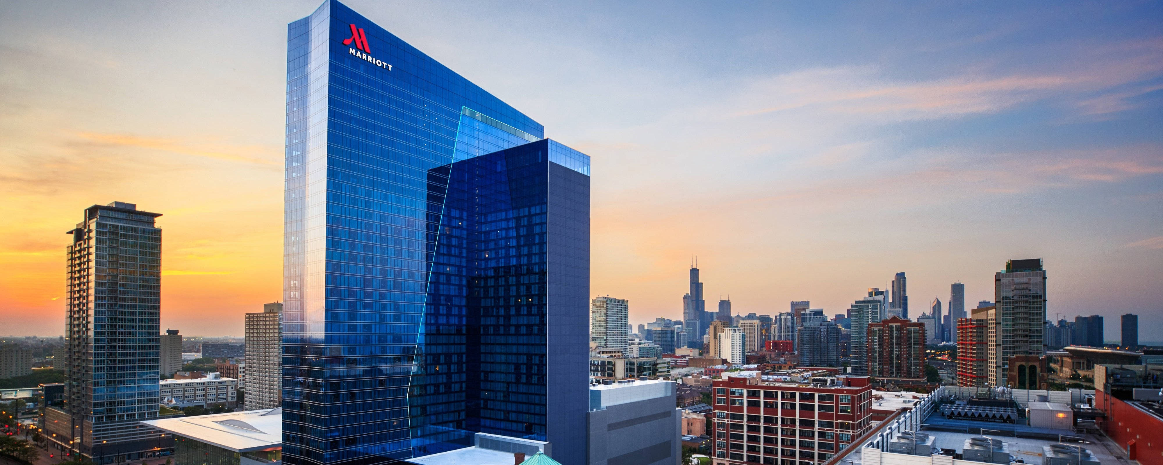 Four Star Hotel Near Mccormick Place Marriott Marquis Chicago