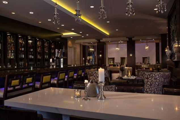 Northbrook Illinois Hotel Bar