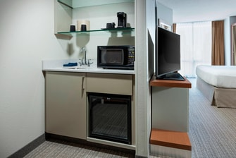 SpringHill Suites Chicago Downtown Suite Amenities