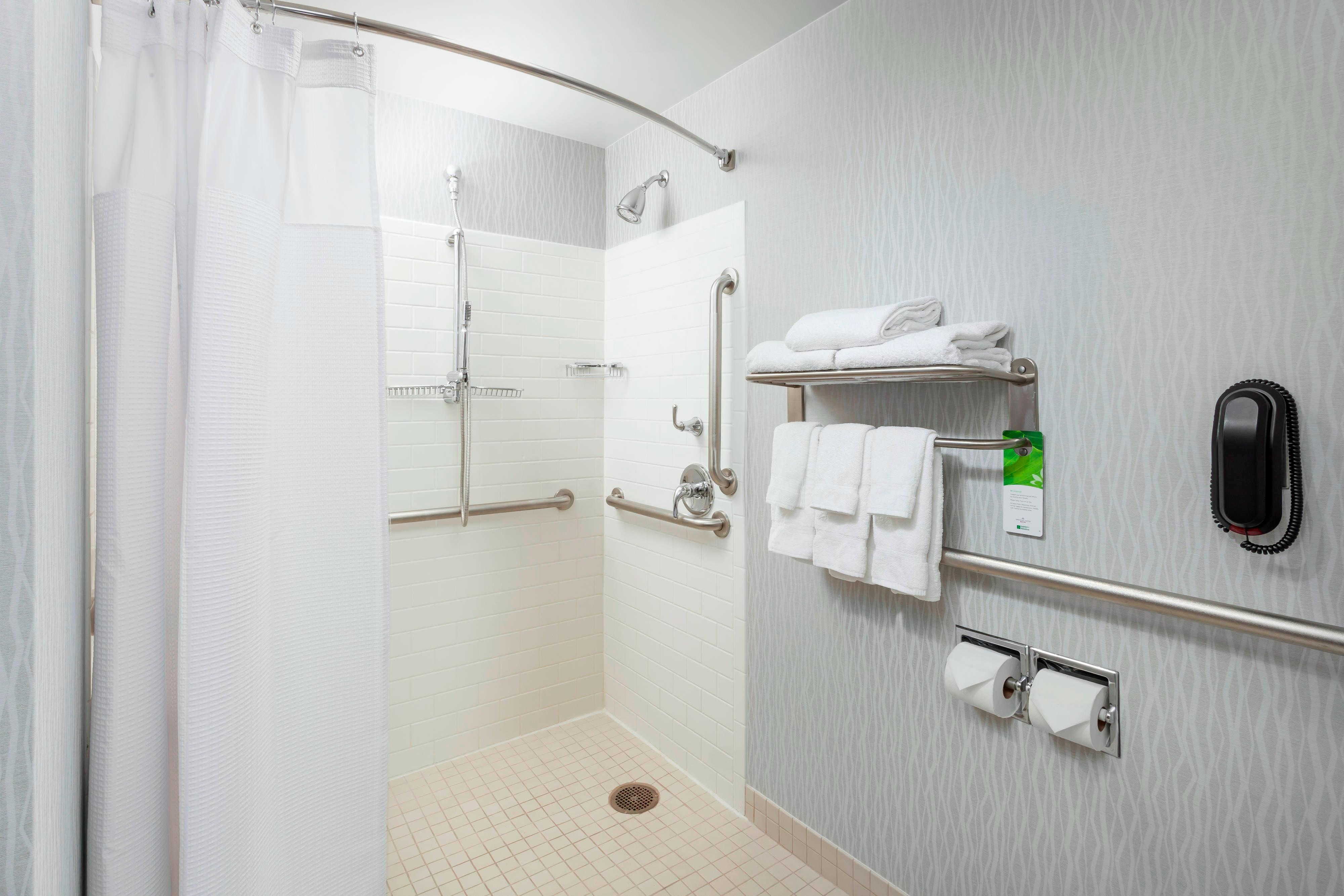 SpringHill Suites Chicago Downtown Accessible Roll-in Shower