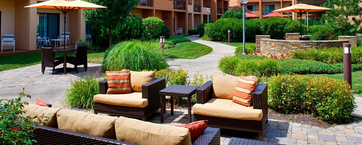 Hotels in Oakbrook Terrace, Illinois | Courtyard Chicago Oakbrook ...