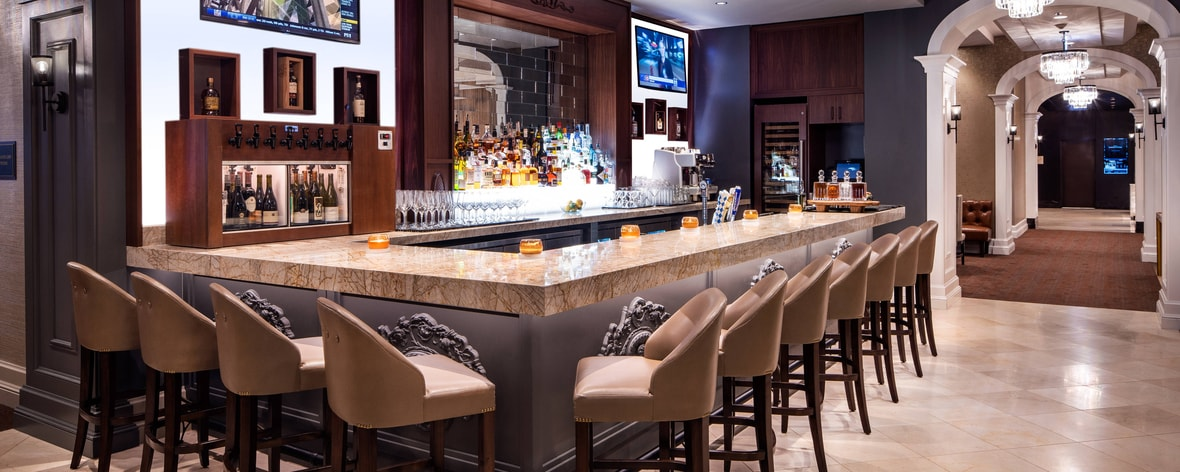Roanoke Club – Bar